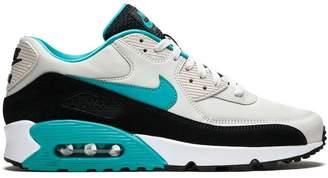 Nike 90 Essential sneakers