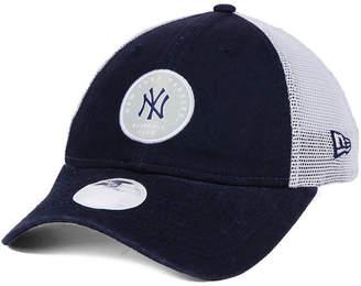 New Era Women's New York Yankees Washed Trucker 9TWENTY Cap
