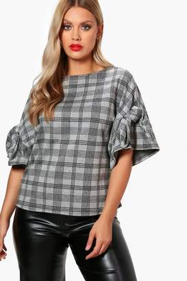 boohoo Plus Maya Check Tie Sleeve Tee