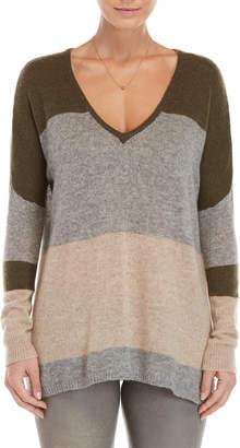 Brodie Color Block V-Neck Cashmere Sweater