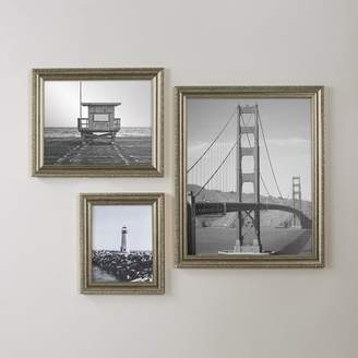 Three Posts Picture Frame