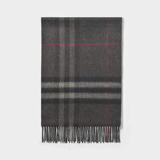 Burberry Giant Icon Scarf In Charcoal Check Cashmere