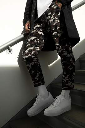 boohoo Tapered Fit Camo Cargo Trouser