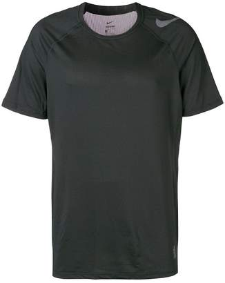 Nike hypercool fitted top