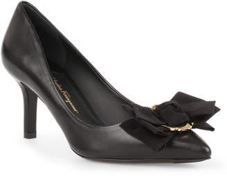Salvatore Ferragamo Talla 70 black leather pumps