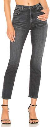 GRLFRND Kiara Mid-Rise Tomboy Jean.