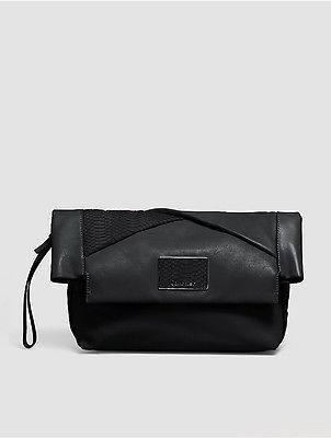 Calvin Klein Calvin Klein Womens Jillian Leather Clutch Black