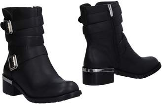 Vince Camuto Ankle boots - Item 11477855TV