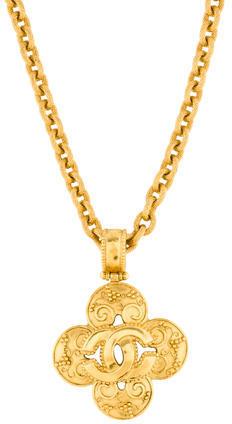 ChanelChanel Quatrefoil Pendant Necklace