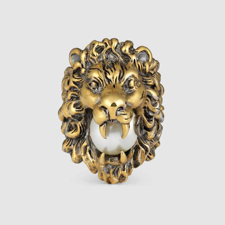 Lion head ring with glass pearl