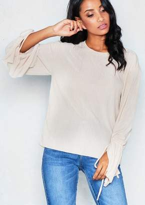 d4e90fcdccb15 Missy Empire Missyempire Jules Beige Pleated Frill Sleeve Top