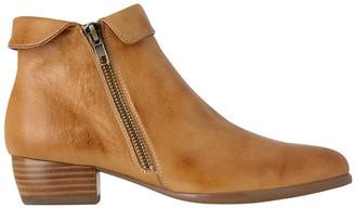 Zippy Light Tan Boot