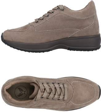 Avirex Low-tops & sneakers - Item 11454251PL