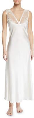 Vivis Samui Lace V-Neck Nightgown