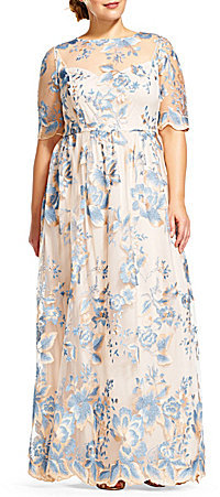 Adrianna Papell Adrianna Papell Plus Round Neck Short Sleeve Embroidered Metallic Lace Gown