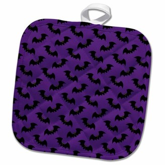 3dRose Black Flying Bats Pattern On A Purple Background - Pot Holder, 8 by 8-inch