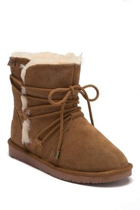 Minnetonka Whitehall Genuine Shearling Lined Wrap Boot