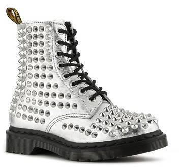 Dr. Martens Spike Boot