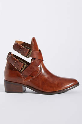 Matisse Bolo Western Buckle Boots
