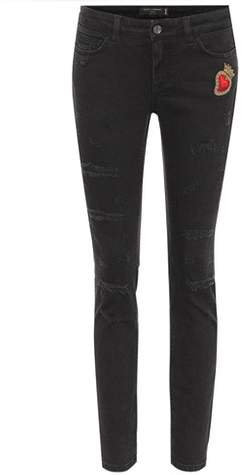 Bestickte Pretty Fit Jeans mit Patch