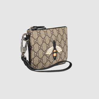 At Gucci Bee Print Gg Supreme Pouch