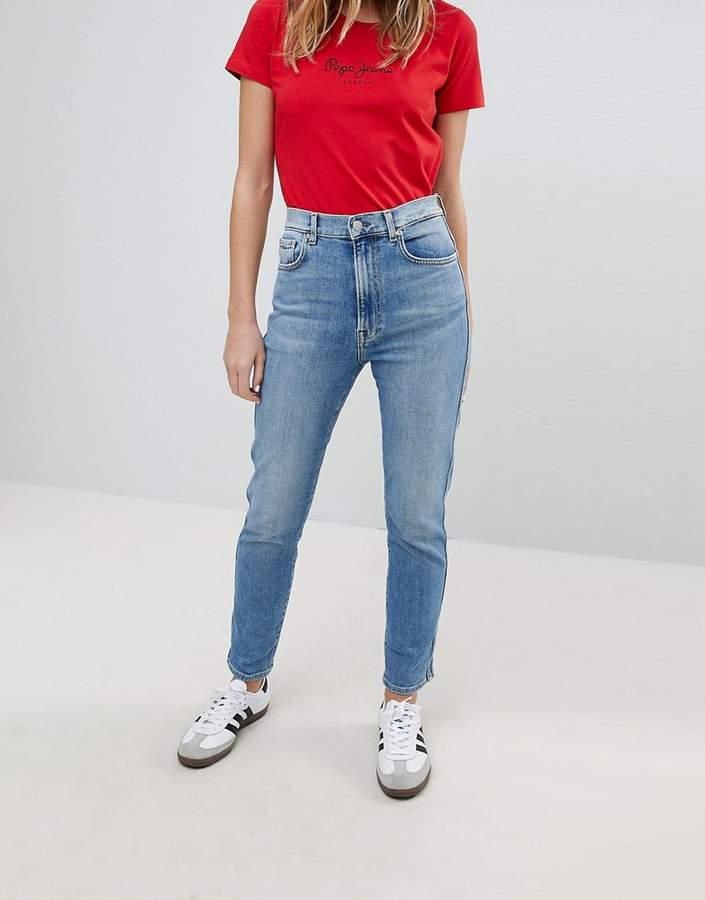 – Betty – Schlanke Mom-Jeans mit hoher Taille