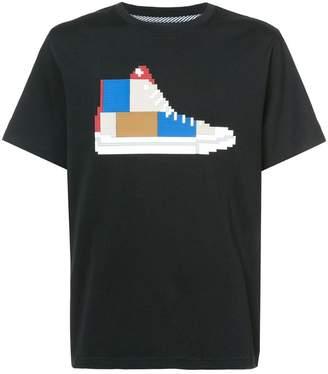 Mostly Heard Rarely Seen 8-Bit patchwork sneaker T-shirt