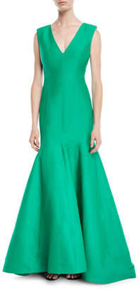 Halston Sleeveless V-Neck Trumpet Gown