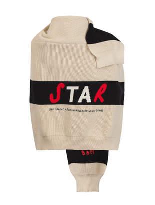 star colorblock slogan intersia knit cape