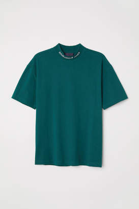 H&M T-shirt with Stand-up Collar - Green