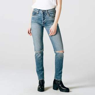 DSTLD High Waisted Ripped Mom Jeans in Medium Vintage