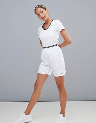 Head performance short in white