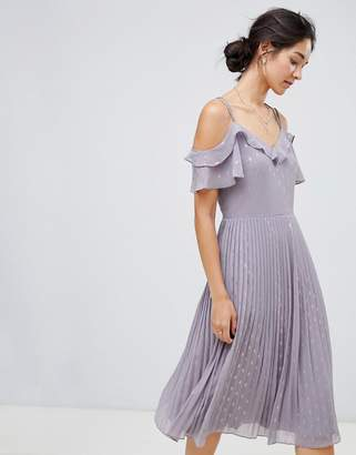 Oasis spot pleated midi dress with cold shoulder in lilac