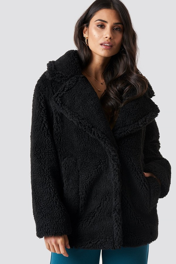 Dilara X NA-KD Soft Teddy Jacket Black