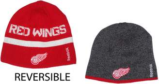 Reebok Detroit Red Wings NHL TS379) Reversible Red & Charcoal Knit Beanie Hat
