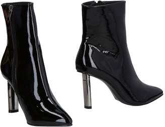 SEXY WOMAN Ankle boots - Item 11470300MJ