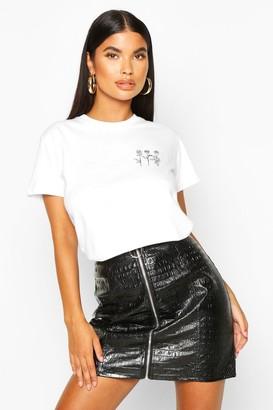 boohoo Petite Triple Rose Pocket Print T-Shirt