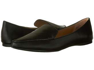 b8c8a6024d2 Black Leather Flats Steve Madden - ShopStyle