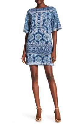 BCBGMAXAZRIA Short Sleeve Print Shift Dress
