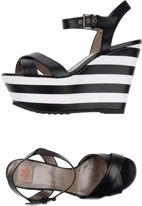 Betty Blue Sandals