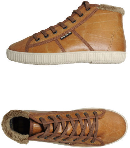 Victoria High-top sneaker