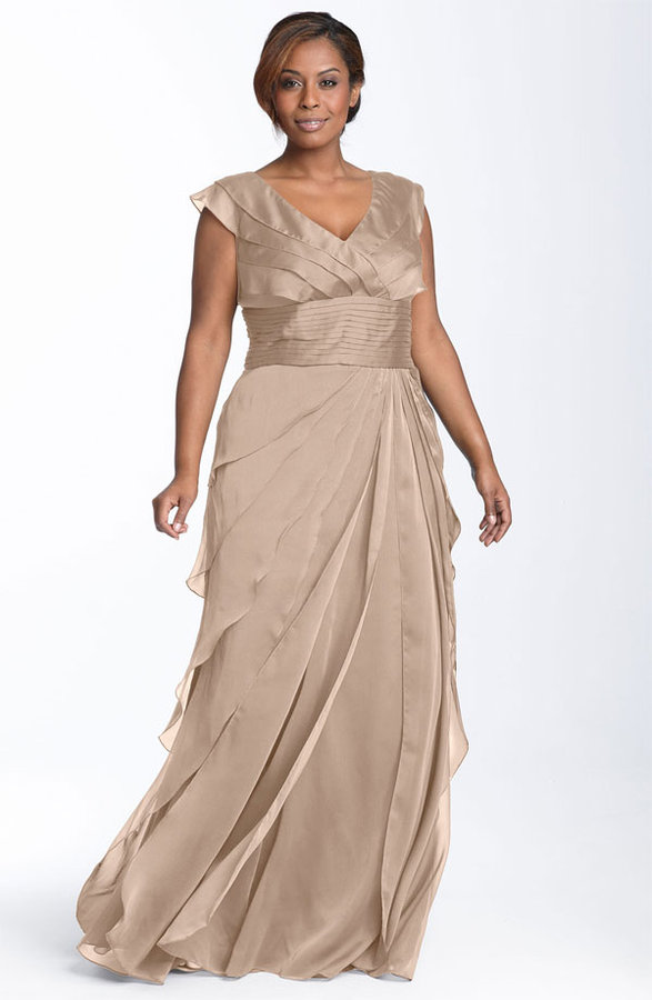 Adrianna Papell Iridescent Chiffon Petal Gown (Plus)