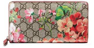 Gucci GG Blooms Supreme zip around wallet