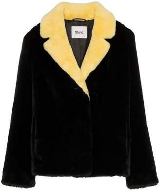 Stand Mariska contrast collar faux fur jacket