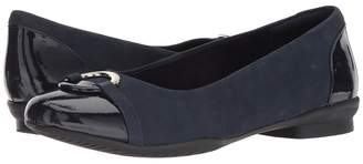 Clarks Neenah Vine Women's Flat Shoes