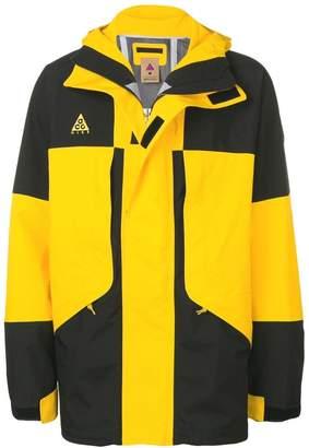 Nike ACG Gore-Tax jacket
