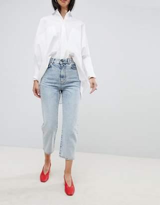 Asos DESIGN barrel leg boyfriend jeans in bella light wash