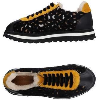 Doucal's Low-tops & sneakers