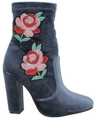 Yoki Milles Velvet Embroidered Boot