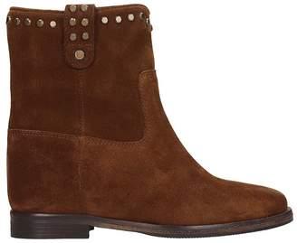 Julie Dee Ankle Boot In Brown Suede